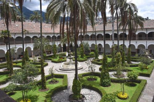 Garden of Virgen de Quito