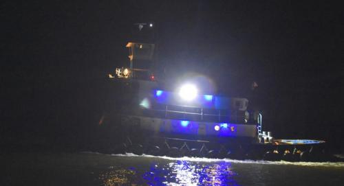 Tug passing in the night