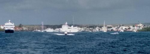 Leaving Puerto Ayora harbor